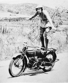vintage everyday: Vintage Photos of Early Women Motorcycle Stunters