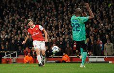 Arshavin vs Barcelona 2011.