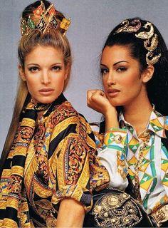 Stephanie Seymour et Yasmeen Ghauri dans la campagne Gianni Versace automne-hiver 1992