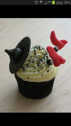 Halloween cupcake idea!