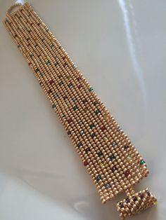 Debido a que estoy en oro en este momento, esta vez creé un poco de mermelada juguetona . Loom Bracelet Patterns, Bead Loom Bracelets, Bead Loom Patterns, Diy Earrings Dangle, Diy Earrings Easy, Beaded Jewelry Designs, Handmade Jewelry, Earrings Handmade, Diy Schmuck
