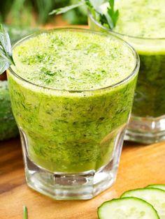 Centrifugato al cetriolo per gli sportivi: un mix di ortaggi e frutta che reintegra i liquidi e rafforza il sistema immunitario con la vitamina C.