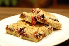 Fotorecept: Liaty slivkový koláč z domáceho kvásku Krispie Treats, Rice Krispies, Dairy, Ale, Cheese, Chicken, Desserts, Food, Gardening