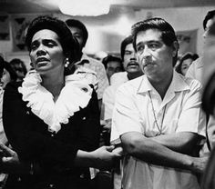 coretta scott king prays with cesar chavez during his june 1972 fast at the santa rita center in phoenix.