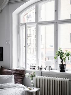 Stylish bedroom corner - via Coco Lapine Design blog