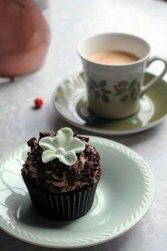 Coffee Break, Morning Coffee, Coffee Time, Tea Time, Chocolate Sweets, Chocolate Coffee, Mint Chocolate, Spiced Coffee, Coffee Latte