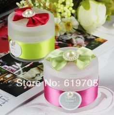 FREE SHIPPING 100pcs/lot  Plastic Elegant Round candy boxes Favors boxes Wedding favor Party candy box Anniversary gifts $150.00