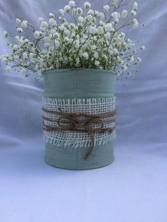 Shabby chic cycled up, misused tin can vase. Perfect for fresh cut flowers or your own inspir. Shabby chic cycled up, misused tin can vase. Perfect for fresh cut flowers or your own inspiration Shabby Chic Crafts, Shabby Chic Homes, Shabby Chic Decor, Decoration Evenementielle, Tin Can Decorations, Tin Can Centerpieces, Rustic Winter Decor, Tin Can Art, Tin Can Crafts