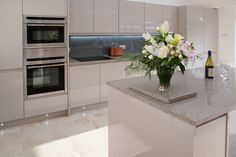 Our LED lighting and Lustrolite kitchen splashback in Titan