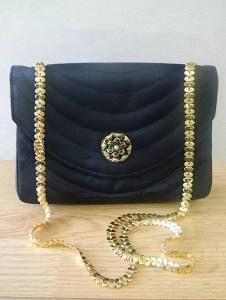 Vintage CHANEL Gripoix noir soie embrayage