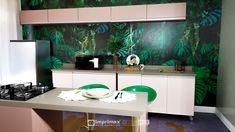 """Assista ao oitavo episódio da série """"PROJETO CRIATIVO""""! A Imprimax forneceu espaço e materiais para que arquitetos e designers de interiores esbanjassem toda a sua criatividade, mostrando as possibilidades da utilização de vinis autoadesivos na decoração de ambientes. Confira agora o resultado incrível e conceitual que a design de interiores Gabriela Dutra criou. Designers, Vinyls, Architects, Creative, Creativity, Log Projects"""