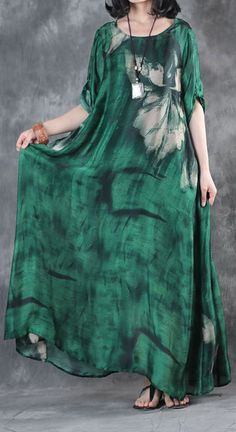 fashion green prints silk dresses Loose fitting short sleeve silk maxi dress Elegant big hem kaftansMost of our dresses are made of cotton linen fabric, soft and breathy. loose dresses to make you comfortable all the time. Dresses Elegant, Casual Dresses, Summer Dresses, Dresses Dresses, Mode Abaya, Mode Hijab, Abaya Fashion, Fashion Dresses, Steampunk Fashion