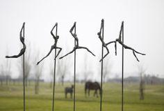 """""""Yell"""": bronzen beeld van de Vlaamse kunstenares Ann Vrielinck."""