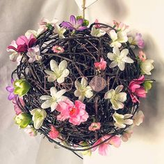 Нежнейшие весенние шары из веток #katariosdecor #decor #ball #nature #spring #flowers #handmade #mysolutionforlife #декор #sweethome #interior #design #ручнаяработа #vsco #vscocam #vscogood #photooftheday #igdaily #picoftheday #instamoment #instamood #instagood #весна #шар #детали