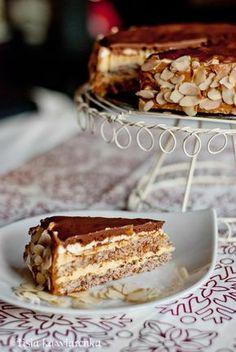 Lisia Kawiarenka: Torcik migdałowy jak z IKEA Ikea, Muffins, Polish Recipes, Polish Food, Cupcakes, Pavlova, Trifle, Tiramisu, Sweet Tooth