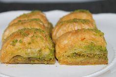 Von meinem Lieblingsrestaurant wo man türkische Spezialitäten und Speisen kaufen kann, habe ich für den Blog hier das Rezept für Baklava bekommen ♥ Immer w