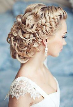 Braided delightful hairstyle for bridal