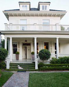 who wouldn't love this veranda!!