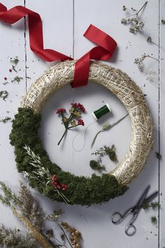 Add festive cheer to your front door with a beautiful country straw wreath for Christmas. Find instructions on how to decorate your wreath and more DIY inspiration on our website. Christmas Diy, Christmas Wreaths, Straw Wreath, Arts And Crafts, Holiday Decor, Classic, Inspiration, Festive, Cheer
