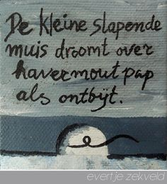 de kleine slapende muis droomt over havermoutpap als ontbijt / the tiny mouse, asleep, dreams of porridge for breakfast