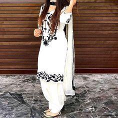 Summer Shalwar Kameez Designs For Women 2019 White Punjabi Suits, White Salwar Suit, Patiala Salwar Suits, White Churidar, White Suits, Pakistani Suits, Pakistani Dresses, Patiala Suit Designs, Salwar Designs