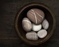 wishing stones in bowl Rock And Pebbles, Rocks And Gems, Rocks And Minerals, River Pebbles, River Rocks, Pebble Stone, Pebble Art, Stone Art, Pebble Mosaic