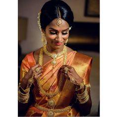 "456 likerklikk, 2 kommentarer – Anna Karapetyan (@akmakeup1) på Instagram: ""Stunning Suwanja on her wedding day.  Captured beautifully by @emphotography_1.  #emphotography…"""