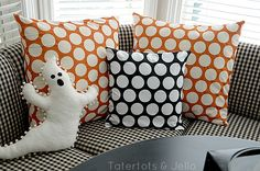 """DIY pillow covers so that you can """"change"""" the pillows for different occasions or just when you feel like something new"""