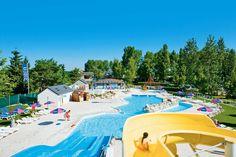 Camping Domaine de Dugny is een ruim opgezette en goed onderhouden camping op het terrein van een gerestaureerde boerderij. Voor zwemplezier is er een verwarmd openluchtzwembad met glijbaan en een kinderzwembad en is er een verwarmd overdekt zwembad met een kinderzwembad. De camping is gelegen aan een klein meer waar je kunt vissen en varen (geen zwemmogelijkheid). Ca. 2 km van het plaatsje #Onzain. De stad #Blois ligt op ca. 17 km. Officiële categorie **** Loire Valley, Places To Go, Dolores Park, Journey, France, Travel, Om, Alice, Holidays
