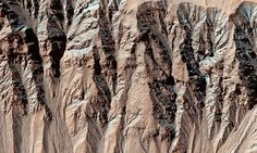 Mars' gullies were created by dry ice and NOT water | Daily Mail Online