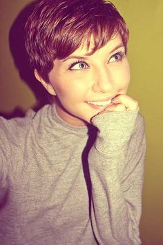 10 Girls with Pixie Cuts