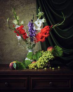 35PHOTO - Ирина Приходько - Натюрморт с гладиолусами и фруктами