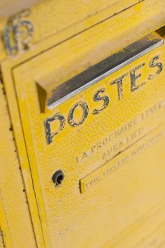 Send a postcard from your summer travels-Yellow mailbox in France. Aesthetic Colors, Aesthetic Yellow, Shades Of Yellow, Colour Yellow, Yellow Style, Grey Yellow, Bright Yellow, Mustard Yellow, Yellow Submarine