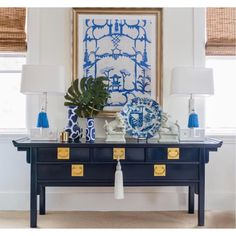 Blue and White (Chinoiserie Chic) - Trellis Home Design A lovely Chinoiserie vignette features Dana Gibson art, a pair of Greek key lam - Elegant Home Decor, Retro Home Decor, Interior, White Home Decor, Asian Decor, Elegant Homes, Home Decor, Blue White Decor, Interior Design