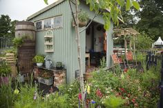 Nostalgia at the Stone House: Pretty Nostalgic garden featured on BBC's RHS Hampton Court Flower Show