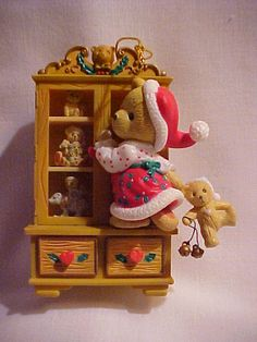 : ) I have this Christmas ornament. One of the drawers at the bottom opens and inside is another TINY Teddie ornament! Love Bear, Pug Love, Cute Christmas Wallpaper, Clay Bear, Monkey Doll, Biscuit, Decoupage, My Teddy Bear, Boyds Bears