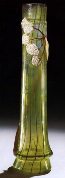 """Émile GALLÉ Vaso """"Angelica"""" in vetro Cameo inciso alla mola con applicazioni, 1900 circa. H. cm. 47,5. Asta Sotheby's New York, 11.06.1992. (hva)"""