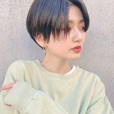 Short Curly Haircuts, Curly Hair Cuts, Cut My Hair, Layered Haircuts, Korean Short Hair, Short Thin Hair, Girl Short Hair, Short Hair Cuts, Tomboy Haircut