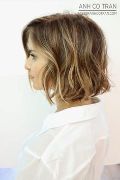 Wanna know the latest hair coloring trend for stylish and natural looks? Balayage coloring technique was very popular in the late now it is getting trendy. Short Balayage, Balayage Bob, Balayage Highlights, Natural Highlights, Pretty Hairstyles, Bob Hairstyles, Bob Haircuts, Haircut Bob, Hairstyle Ideas
