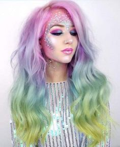 41 Most Jaw-Dropping Halloween Makeup Ideas That Are Still Pretty: Mermaid Hair / Unicorn Hair. Click though to see more awe inspiring pretty Halloween makeup looks, gorgeous Halloween makeup and Halloween costumes. Costume Halloween, Cute Halloween Makeup, Halloween Makeup Unicorn, Scary Halloween, Halloween Masker, Scarecrow Makeup, Halloween Hair, Halloween 2018, Unicorn Makeup