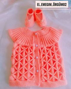 Diy Crafts - Blanket with Zig Zag Pattern Free Girls Knitted Dress, Knitted Baby Clothes, Knit Dress, Baby Knitting, Crochet Baby, Free Crochet, Vest Pattern, Free Pattern, Baby Born Clothes