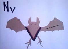 """Το γράμμα """"Νν"""" μας θυμίζει μια νυχτερίδα που πετάει όταν νυχτώνει! - See more at: http://emathisi.weebly.com"""