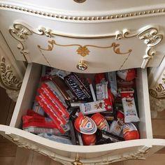 Imagem de food, chocolate, and sweet Cute Food, Good Food, Yummy Food, Pyjama-party Essen, Room Ideias, Comida Disney, Sleepover Food, Junk Food Snacks, Sweet Box