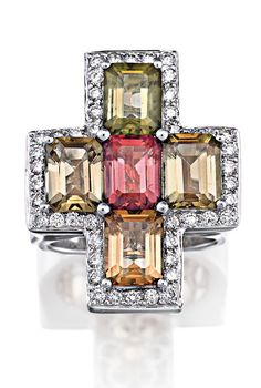 Tourmaline and diamond ring, designed as a cross, approx. 9 carats.