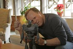 The Iron Giant Deluxe Figure Pre-Sale Info! Brad Bird, The Iron Giant, Political Leaders, Celebrity Couples, Artist At Work, We The People, Pop Culture, Things I Want, Told You So