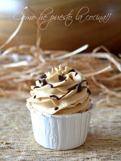 cupcakes-de-crema-de-cacahuete Fondant Cakes, Cupcake Cakes, 12 Cupcakes, Cup Cakes, Cupcake Recipes, New Recipes, Donuts, Icing, Sweet Tooth