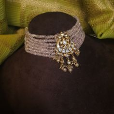Indian Jewelry Earrings, Indian Jewelry Sets, Fancy Jewellery, Jewelry Design Earrings, Gold Jewellery Design, Necklace Designs, Gold Jewelry, Hoop Earrings, Bridesmaid Jewelry