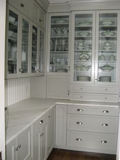 Willow Decor: My New Butler's Pantry - Before and After!