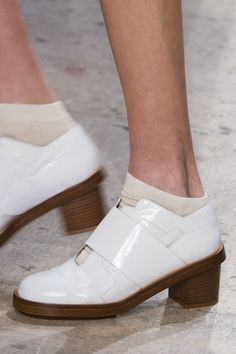 Accessories Spotlight: Shoes, Bags, and Jewelry at PFW  - ELLE.com