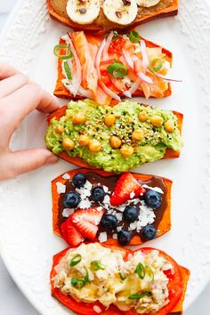 15 Plant-Based Breakfast Ideas for Vegans and Carnivores Alike picks Breakfast Tacos, Savory Breakfast, Vegan Breakfast Recipes, Vegan Recipes, Breakfast Ideas, Vegetarian Breakfast, Sweet Potato Toast, Sweet Potato Pancakes, Watermelon Smoothies